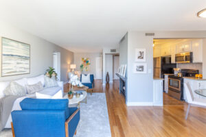 1300 Midvale Ave-29