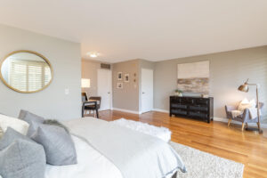 1300 Midvale Ave-3