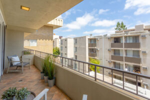 1300 Midvale Ave-7