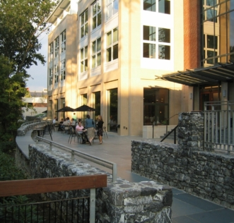 Washington and Lee University, Elrod Commons Patio