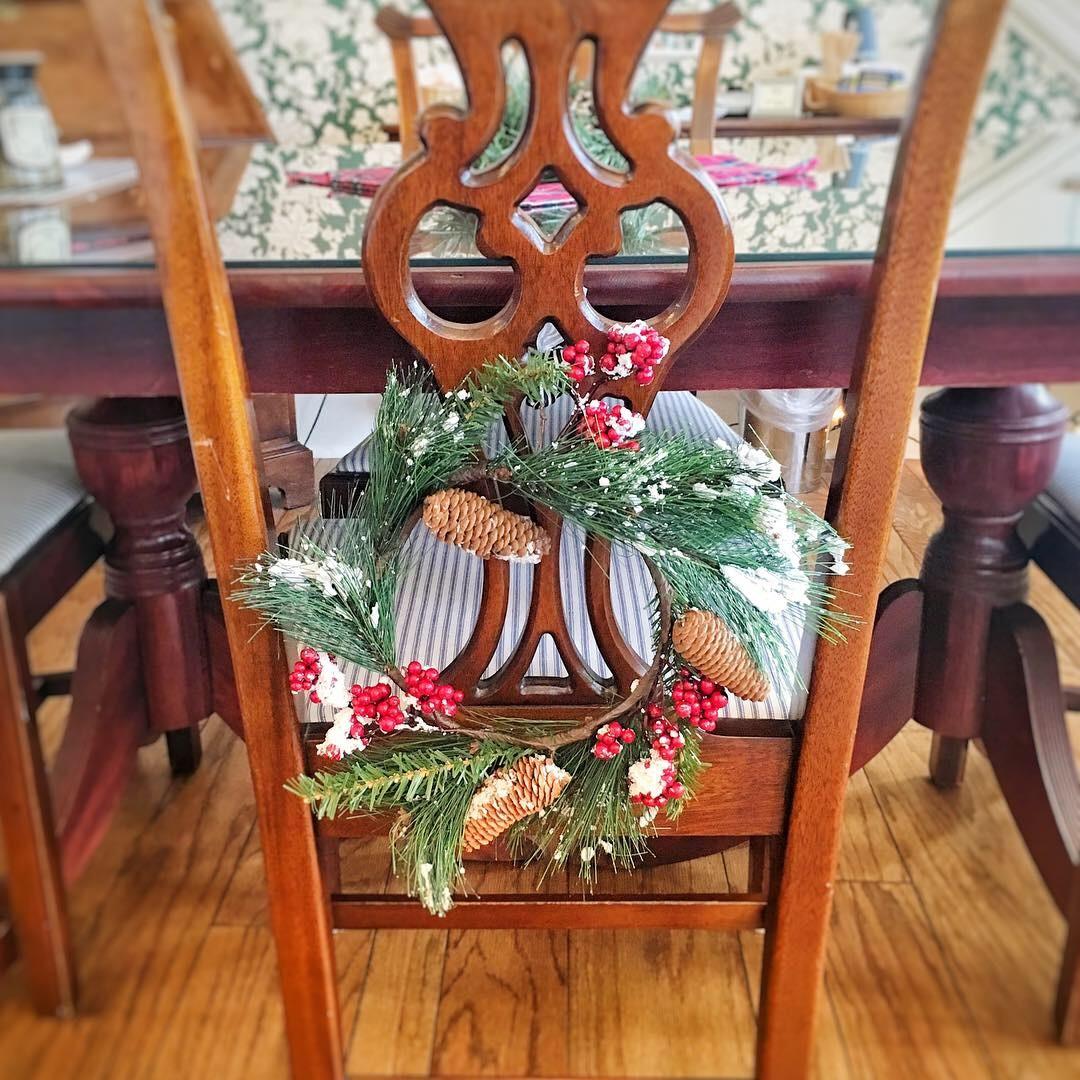 the rochester inn holiday wreath