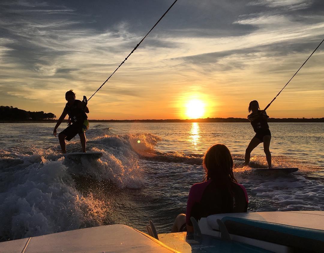 wakesurfing in noyac, sag harbor new york with peconic water sports