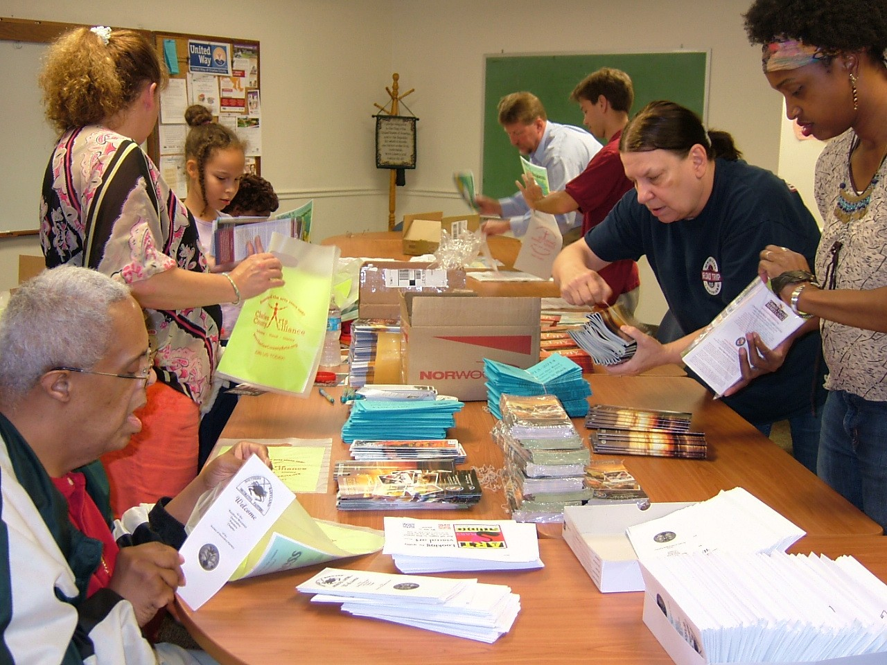 Assembling Arts Bags for the County Fair 2013