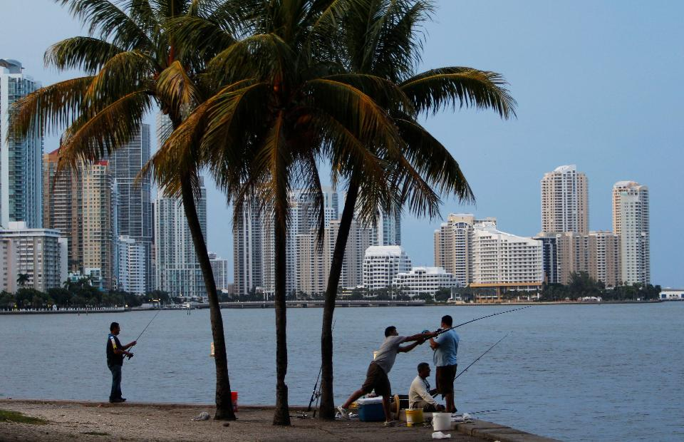 Florida boasts the third-highest domestic attraction rate among the 50 U.S. states for 2014, according to IRS data, and in-migrants were 49% wealthier than the people who moved out of the state. (AP Photo/Lynne Sladky)