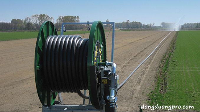 Ống cuộn dẫn nước cho hệ thống tưới nước phun mưa dạng tuyến tính