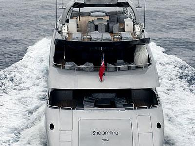 Streamline yacht