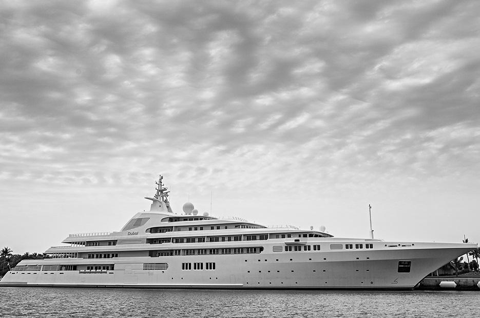 super-yacht Dubai