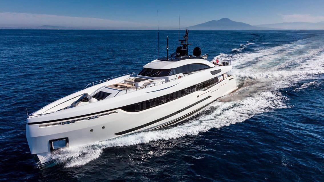 Divine Super yacht