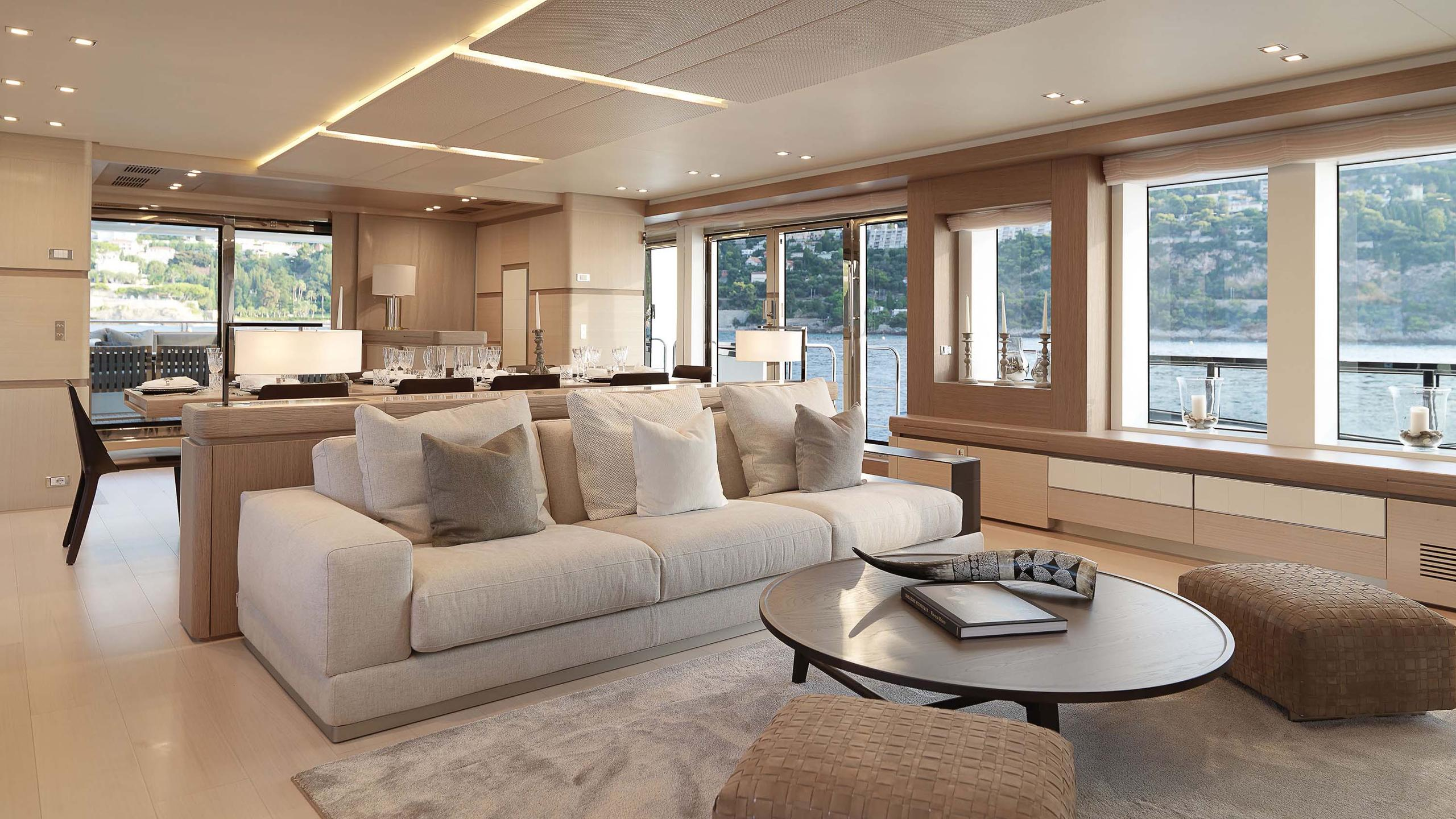 divine-super-yacht-open-plan
