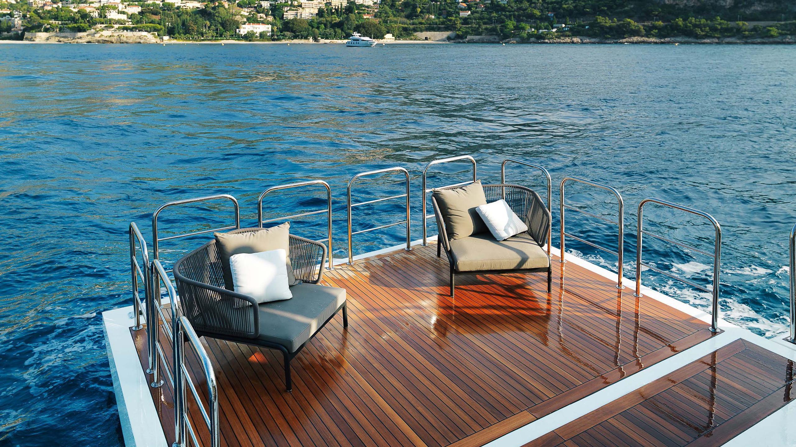 divine-super-yacht-rear-deck-platform
