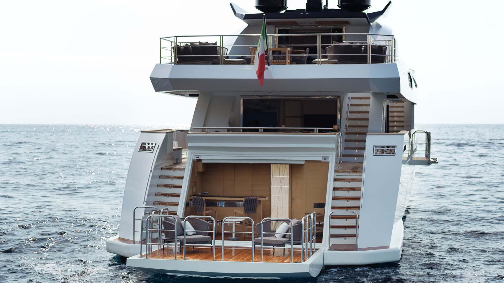 divine-super-yacht-rear-platform