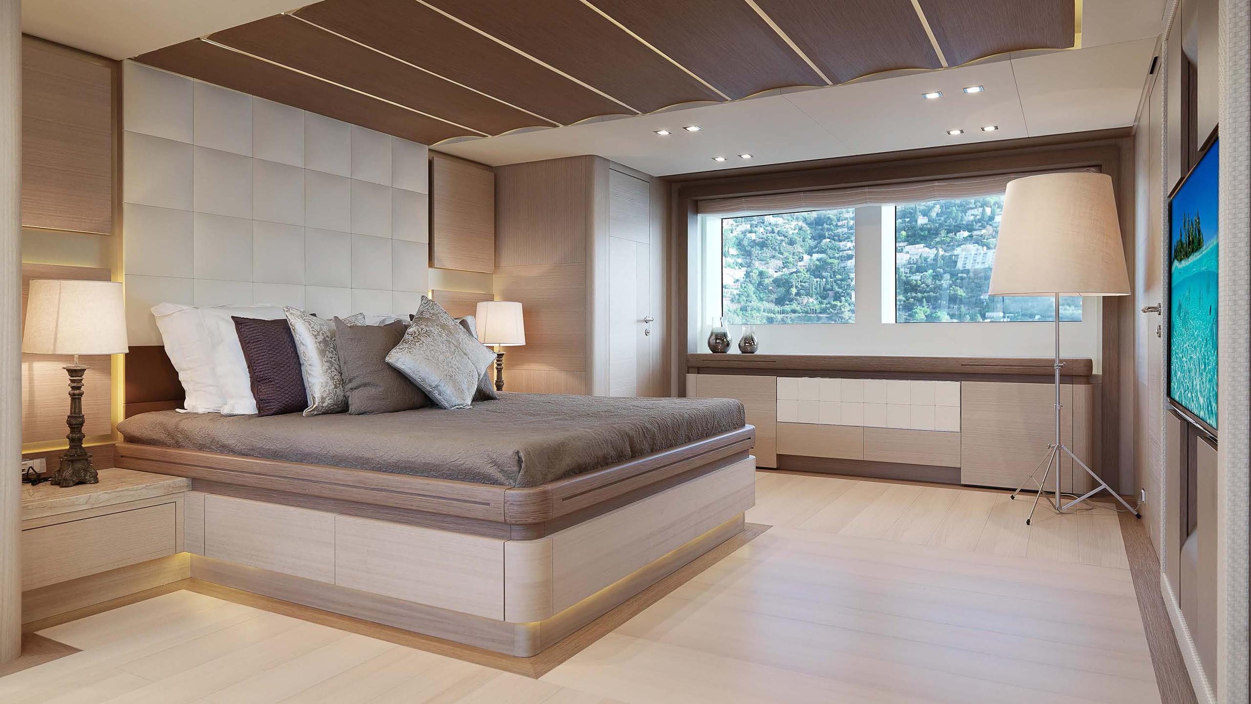 divine-super-yacht-stateroom