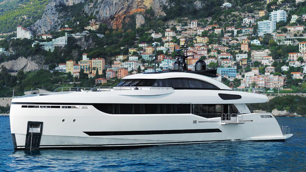 divine-super-yacht