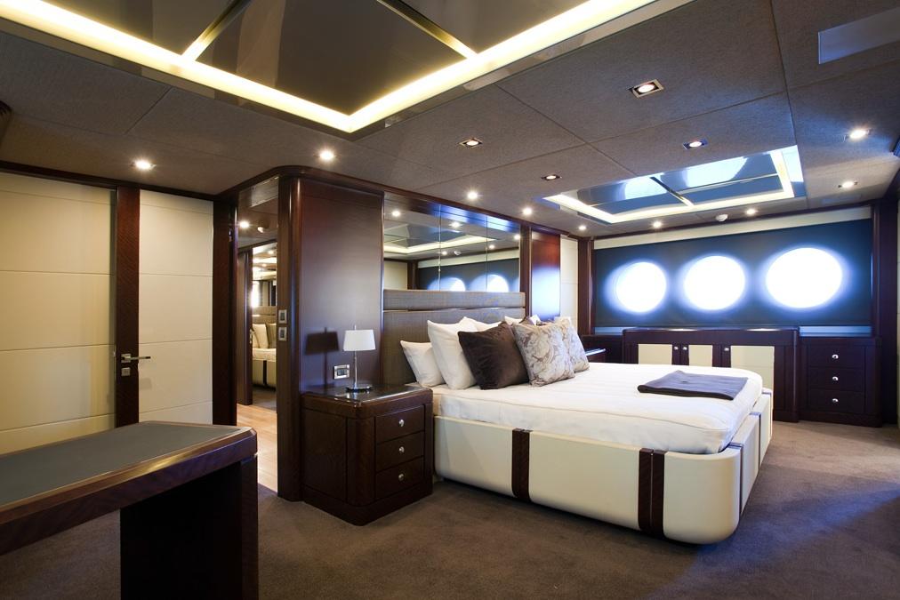 Quantum-super-yacht-master-stateroom