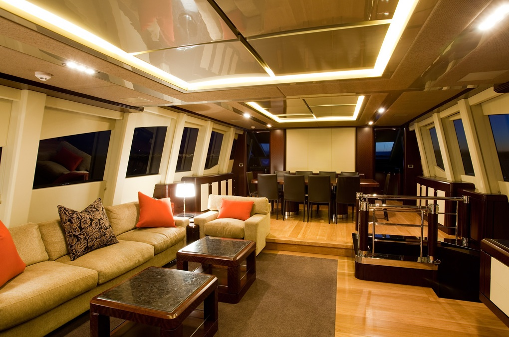 Quantum-super-yacht-main-saloon