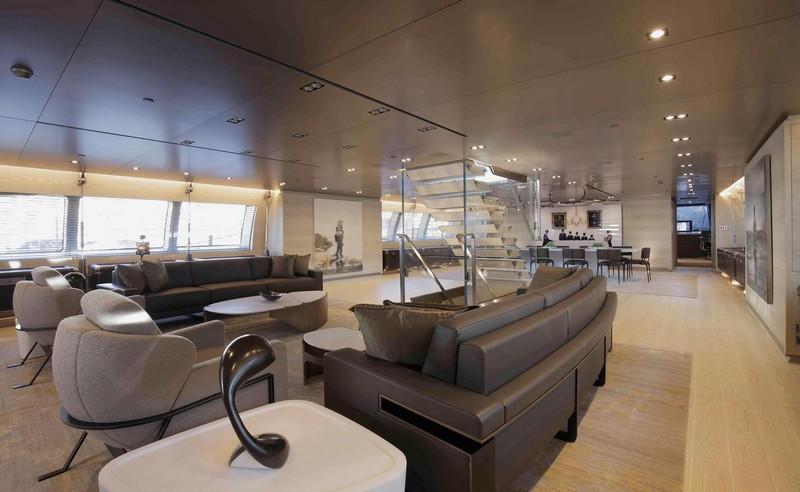 sybaris-superyacht-spacious-saloon