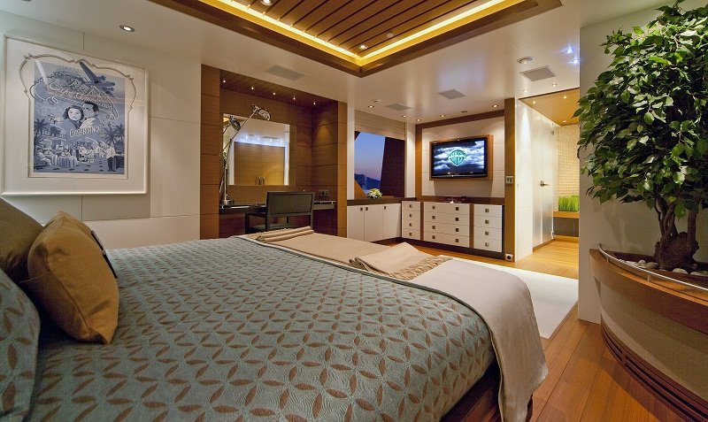 Luxury Charter Yacht Mary Jean II master cabin