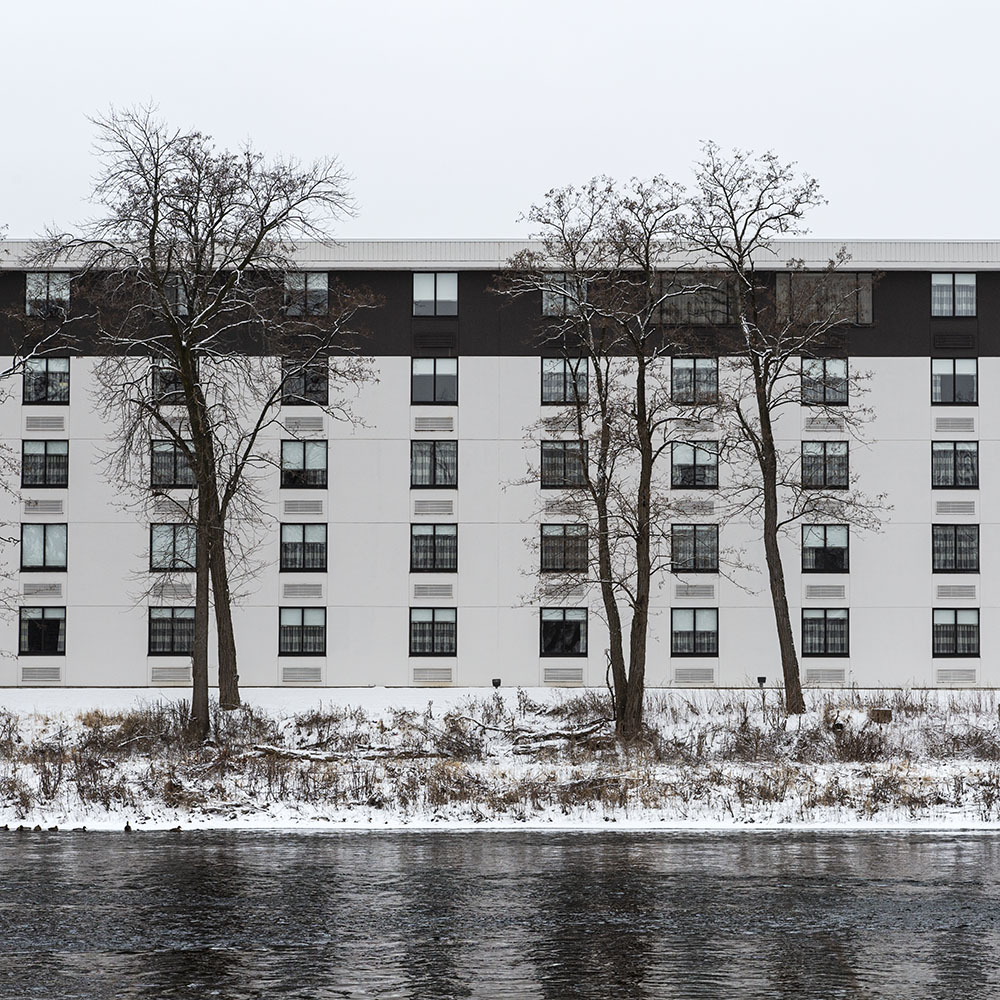 "Holiday Inn at Port Washington Road, an example of ""Synecdoche"""