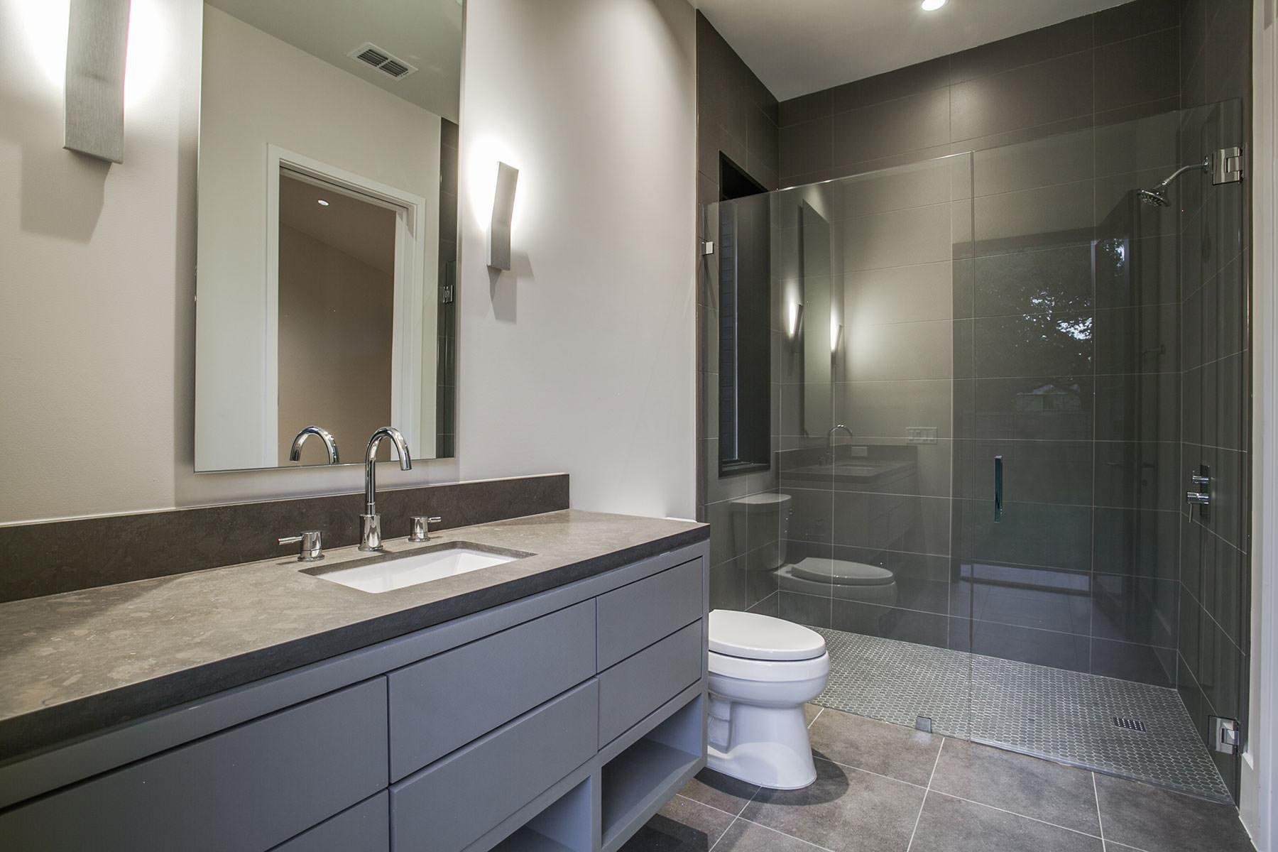 26-up-bath