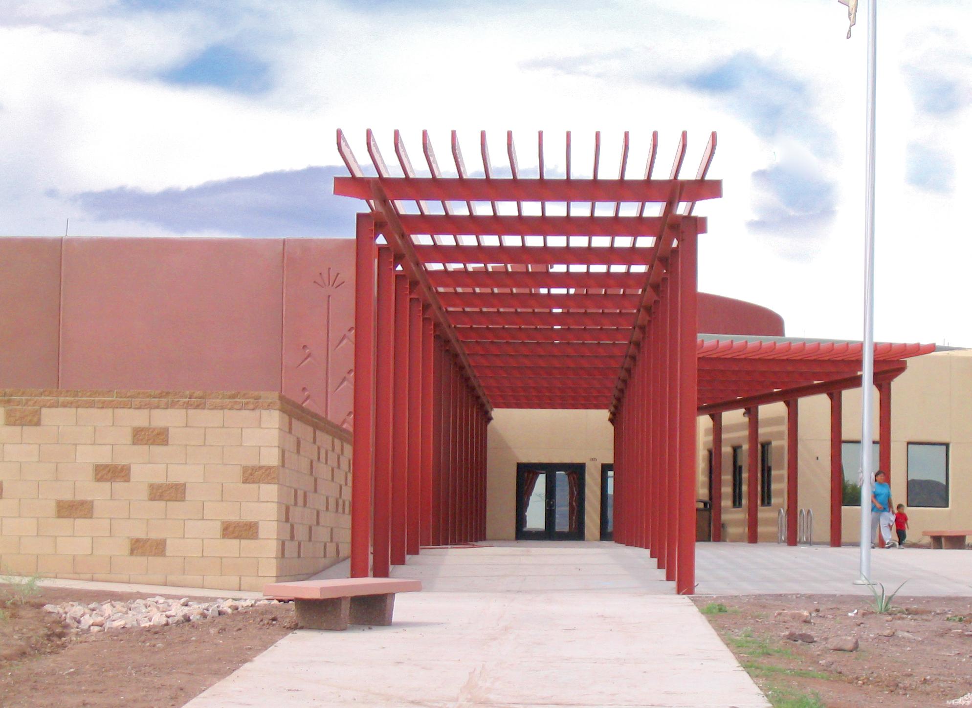 Baca Dlo'ay Azhi Community School