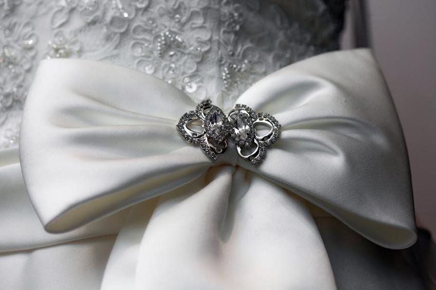 wedding-bow-pin
