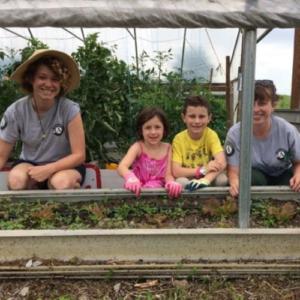 garnden and kids, healthy living