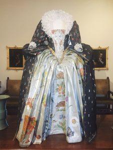 Moda di Carta Villa Necchi Campiglio Milan Isabelle de Borchgrave