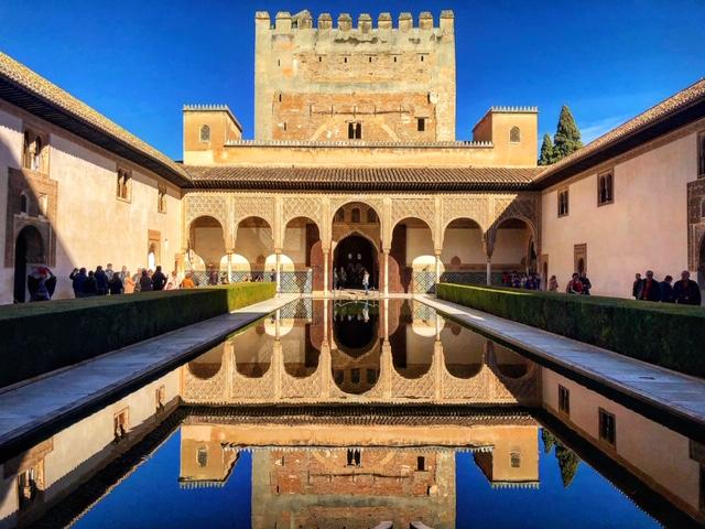 Alhambra tour Musement