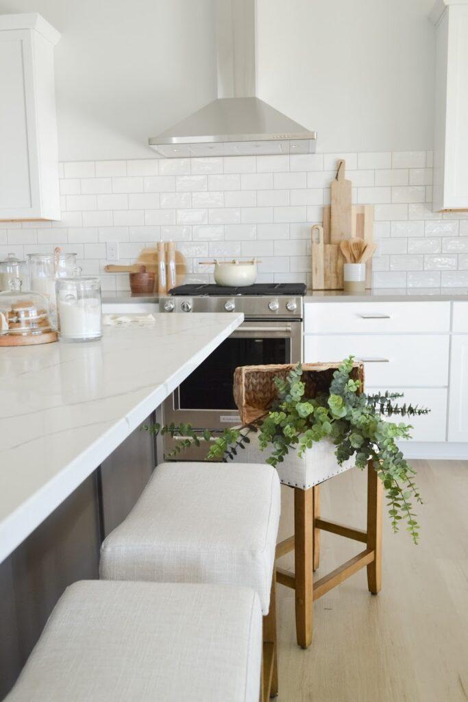 coastal farmhouse kitchen