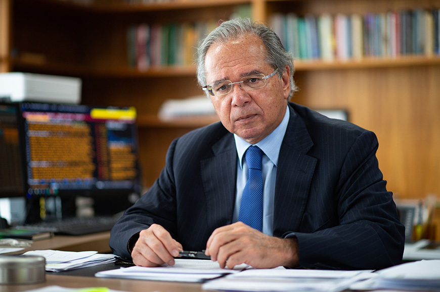 Paulo Guedes chegou a pedir demissão ao Presidente