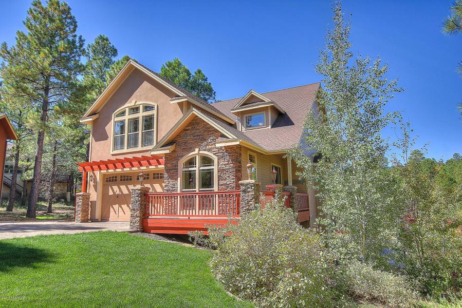 72 W Travertine Trail – Sold!