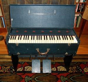 White folding organ
