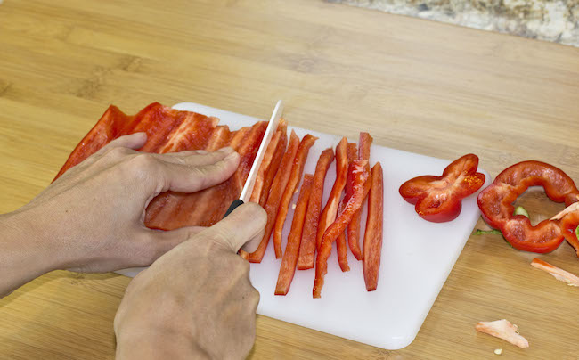 The easiest way to cut a bell pepper!