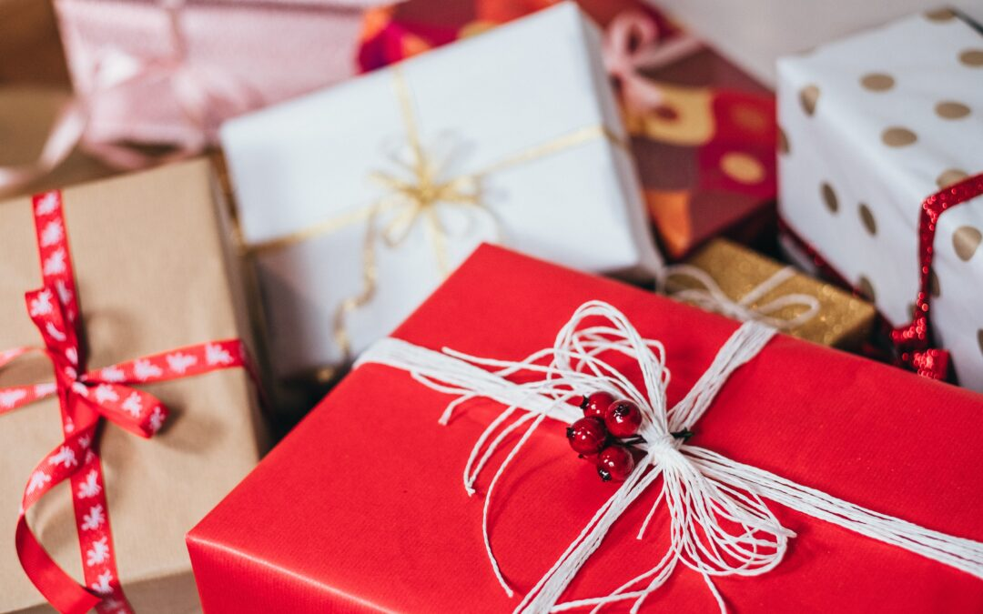 Gift Ideas For the Actor In Your Life