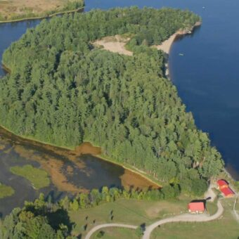 18 Acre Presqu'ile Point Estate Property