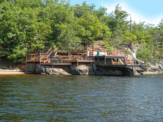 Presqu'ile Point Ottawa River Estate Property for sale