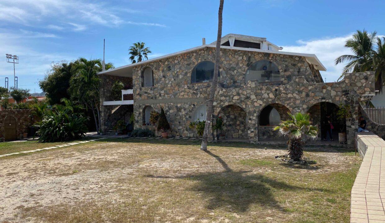 Casa de piedra - 13