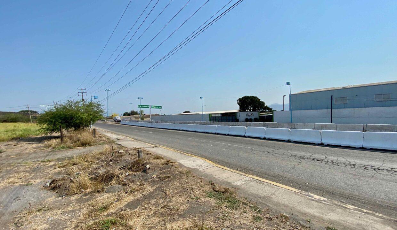 2 Avenida Entrada Tecoman  - 13