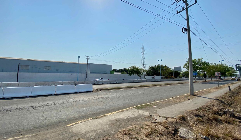 2 Avenida Entrada Tecoman  - 15