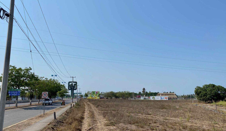 2 Avenida Entrada Tecoman  - 17