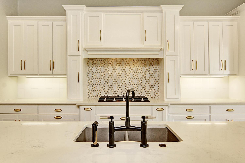 AplCreekview-large-012-42-Kitchen1a-1500x997-72dpi
