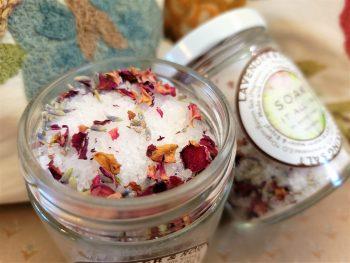 Soak it all in Bath Salts Open by Mossy Tonic
