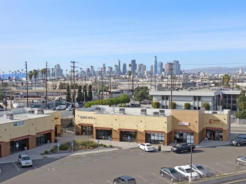 2500-2550 S. Alameda St, Vernon, CA – High Visibility Turnkey Retail, Multi-Tenant Bldg