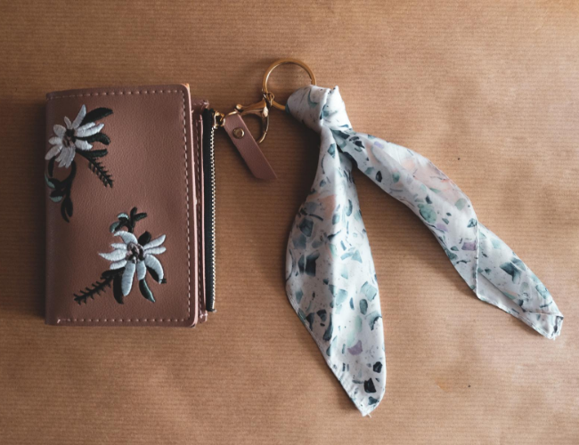 Keychain Wallet: Small, Stylish & So Convenient