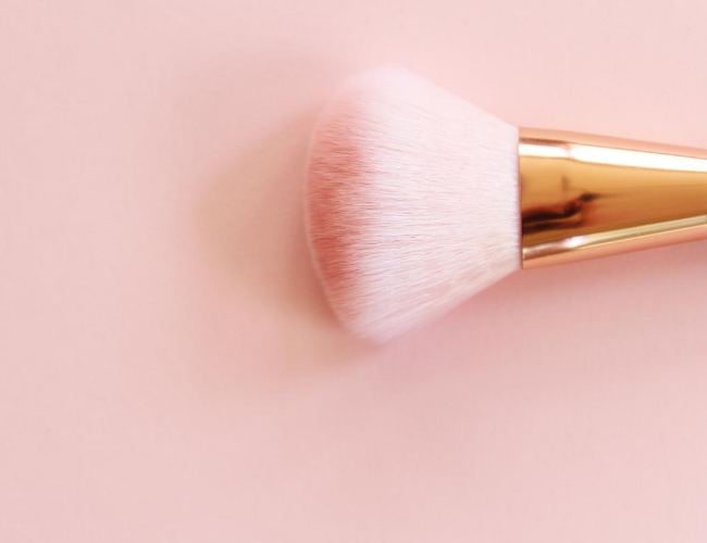 Blush Brush: Getting The Right Shape & Feature