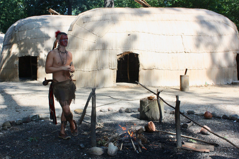 Jamestown Settlement Museum Jamestown VA Powhatan Village Interpreter
