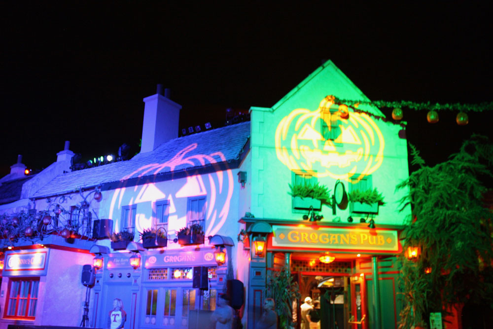 Busch Gardens Williamsburg Howl-O-Scream Ireland Grogans Pub Halloween