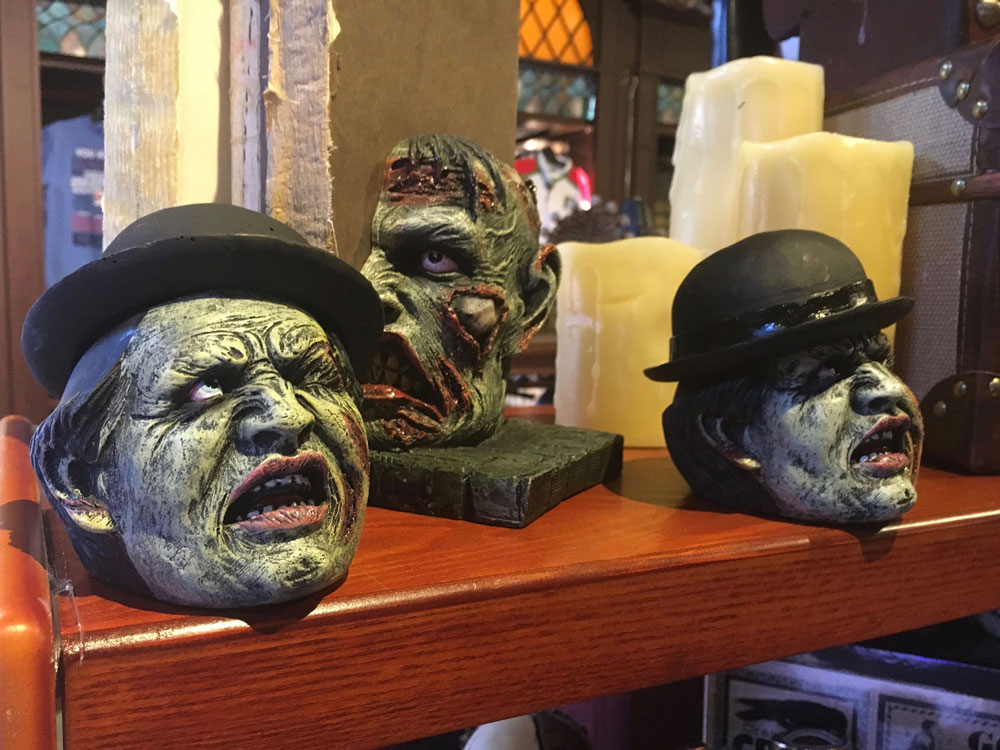 Busch Gardens Williamsburg Howl-O-Ween Gift Shop Halloween