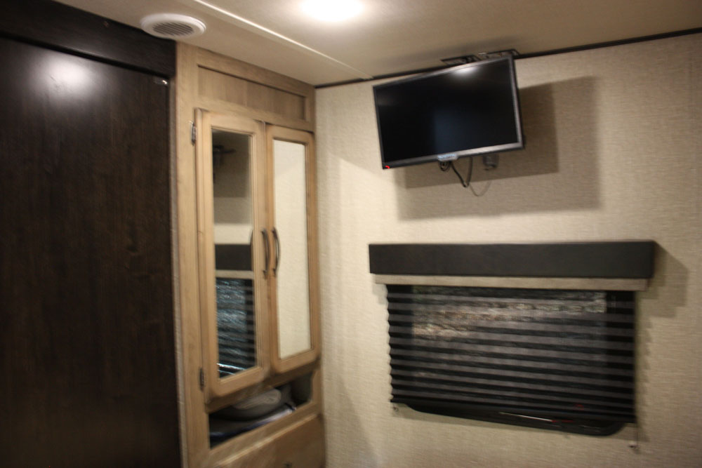 Bedroom Wardrobe Storage Grand Design Transcend 28MKS