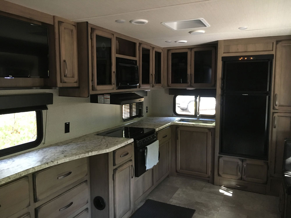 Kitchen in Grand Design Transcend 28MKS